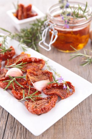 dry tomatoes and rosemary