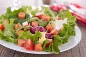 Míchaná zelenina salát