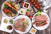 Постер Барбекю мясо сосиски и овощи