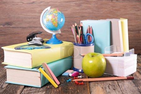 conjunto de accesorios escolares, suministros