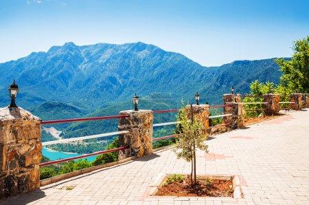 Photo pour Mountain view from the terrace. Beautiful summer landscape - image libre de droit