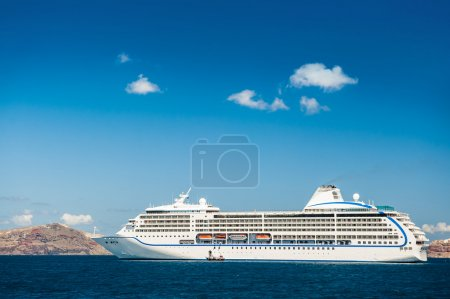 Big cruise liners near the