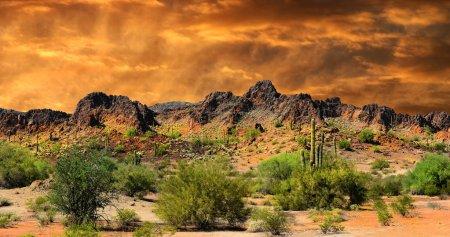 Photo pour Belle toutes les formations de l'Image du nuage naturel et montagnes Rocheuses près de la frontière du Nouveau-Mexique et du Mexique - image libre de droit