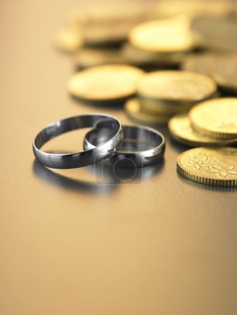 Two rings with money
