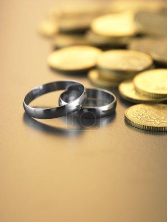 Deux anneaux avec de l'argent