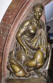 Bronzová socha v Metropolitní metru v Moskvě