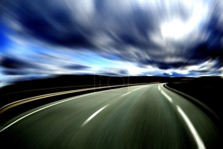 Photo pour Route abstraite.Concept d'autoroute et de vitesse - image libre de droit