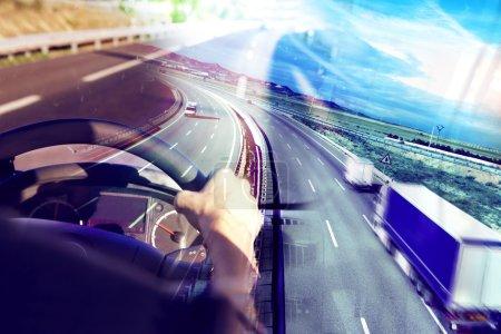 Photo pour Résumé Camions et transport.Autoroute et livraison . - image libre de droit
