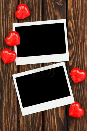 photo frames and red hearts