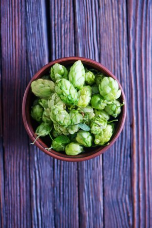 green hop in bowl