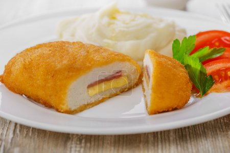 Chicken cutlet cordon bleu
