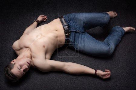 Laying down sportsman