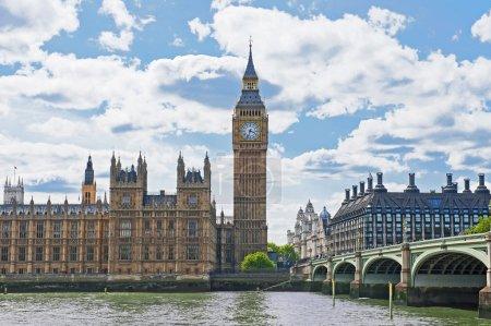 Photo pour Palais de Westminster à Londres, Angleterre - image libre de droit