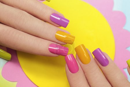 Solar manicure .