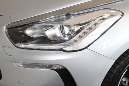 Citroen DS5 Front Lights