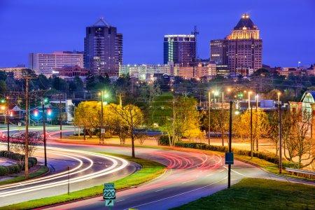 Photo pour Greebsboro, Caroline du Nord, États-Unis skyline centre-ville . - image libre de droit