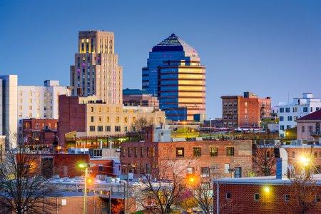 Photo pour Durham, Caroline du Nord, USA skyline du centre-ville . - image libre de droit