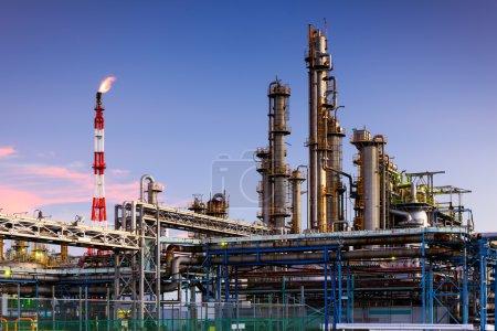 Photo pour Raffineries de pétrole à Kawasaki, Kanagawa, Japon. - image libre de droit