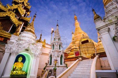 pagode de Shwedagon à yangon