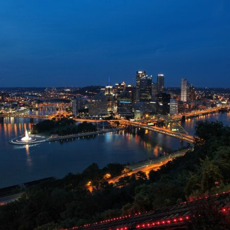 Pittsburgh night city