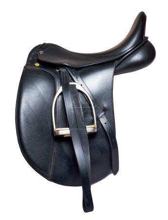Photo pour Selle de dressage cuir noir isolé sur fond blanc - image libre de droit