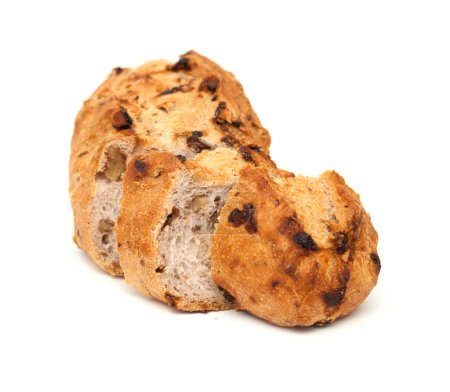 bread with raisins and walnuts