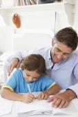 Otec syn pomoc s domácími úkoly