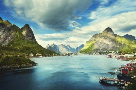 Photo pour Summer day, Village de la Reine, îles Lofoten, Norvège - image libre de droit