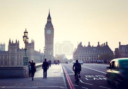 Photo pour Westminster Bridge au coucher du soleil, Londres, Royaume-Uni - image libre de droit