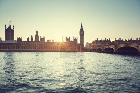 Photo pour Big ben et westminster au coucher du soleil, Londres, Royaume-Uni - image libre de droit