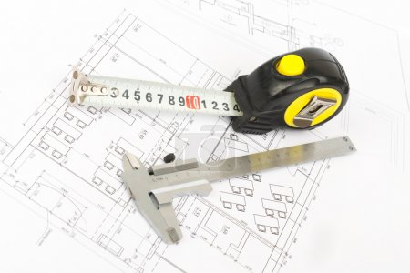 Tape measure with beam-compass, side view