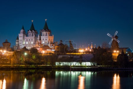 View on Izmaylovo's Kremlin from Izmaylovskiy island in the night