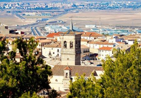 Photo pour Clocher de la ville espagnole. Chinchilla de Monte-Aragon, Albacete, Espagne - image libre de droit