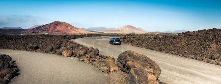 Photo pour Route de montagne à Lanzarote, Îles Canaries - image libre de droit