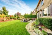 Luxus ház külső-val hatásos háztáji táj design