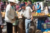 Utcai árusok, élelmiszer