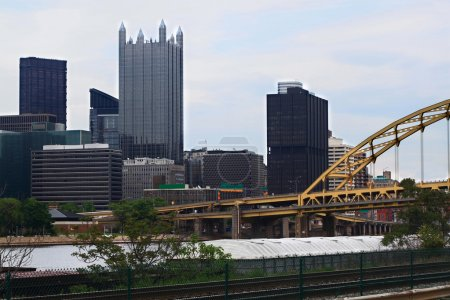 Pittsburgh Pennsylvania Downtown skyline in cloudy afternoon