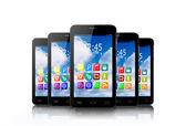 Cinque touchscreen smartphone con le icone di applicazione