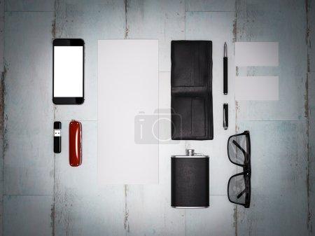 Photo pour Chaque jour porter collection d'articles homme : lunettes, portefeuille, couteau, chaussures. Haute résolution . - image libre de droit