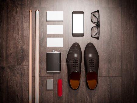 Photo pour Chaque jour porter collection d'articles homme : lunettes, couteau, chaussures. Haute résolution . - image libre de droit