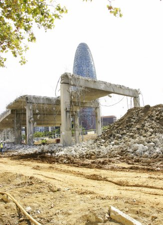 Deconstruction of the ring road