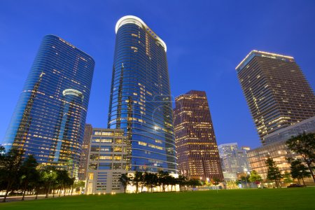 Photo pour Gratte-ciel modernes de coucher du soleil d'horizon de centre-ville de Houston au Texas Us Usa - image libre de droit