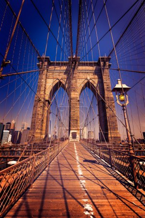 Photo pour Brooklyn Bridge et Manhattan New York États-Unis - image libre de droit