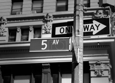Fift avenue sign 5 th Av New York Mahnattan