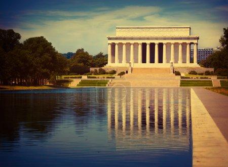 Abraham Lincoln Memorial reflection pool Washington