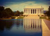 Abraham Lincoln Memorial reflection pool Washington