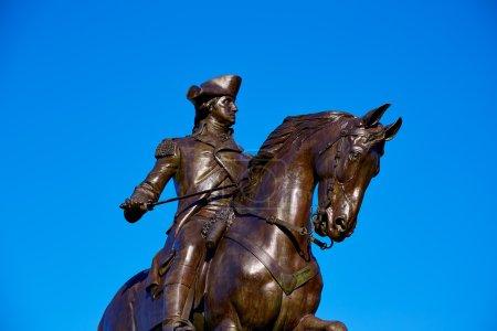 Photo pour Boston Common George Washington monument au Massachusetts Usa - image libre de droit