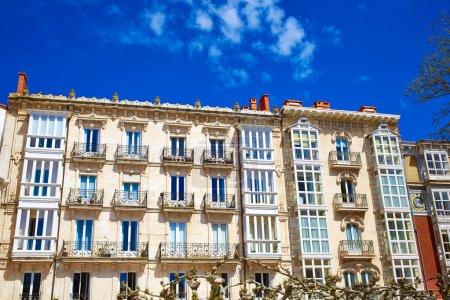 Photo pour Bâtiments du centre-ville de Burgos façades en Castille Léon d'Espagne - image libre de droit