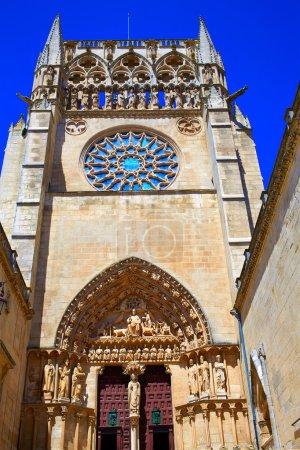 Photo pour Façade de la cathédrale Burgos à Saint James Way à Castilla Leon d'Espagne - image libre de droit