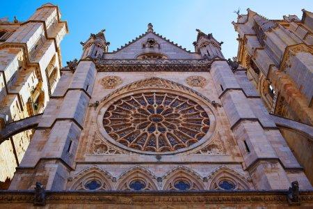Photo pour Cathédrale de la Rosette gothique Léon en Castille en Espagne - image libre de droit